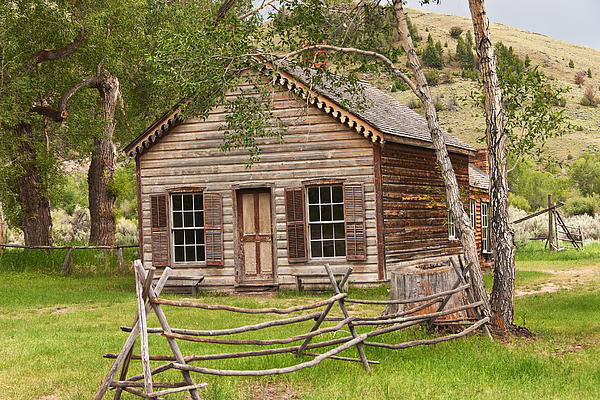 Home In Bannack Print by Sue Smith