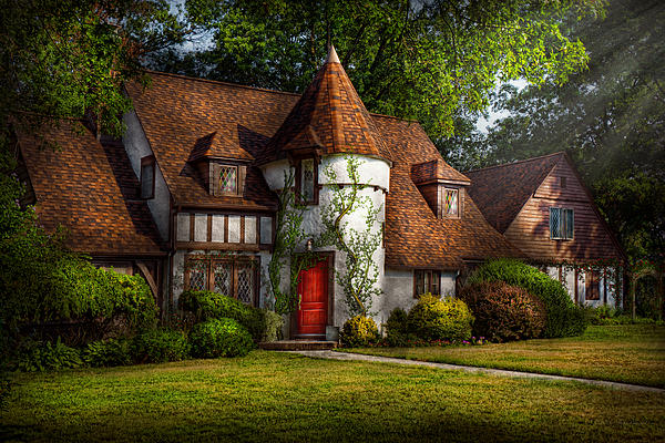House - Westfield Nj - Fit For A King Print by Mike Savad