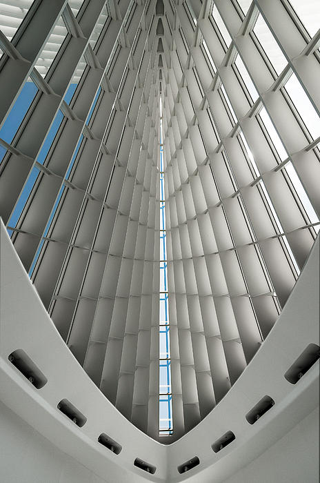 Interior Milwaukee Art Museum Print by Paul Plaine