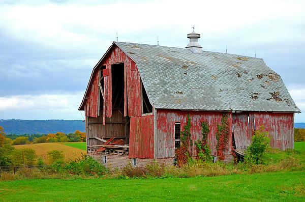 Jeffrey Hamilton - Iowa Barn in the Fall