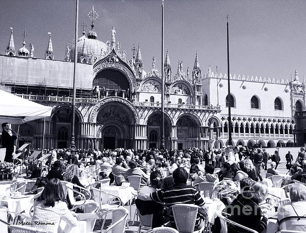 Ramona Matei - Jazz in Piazza San Marco Black and White