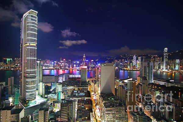 K11 In Tsim Sha Tsui In Hong Kong At Night Print by Lars Ruecker