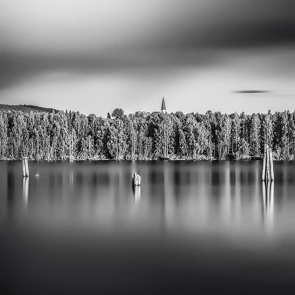 Lake Oyeren Print by Erik Brede