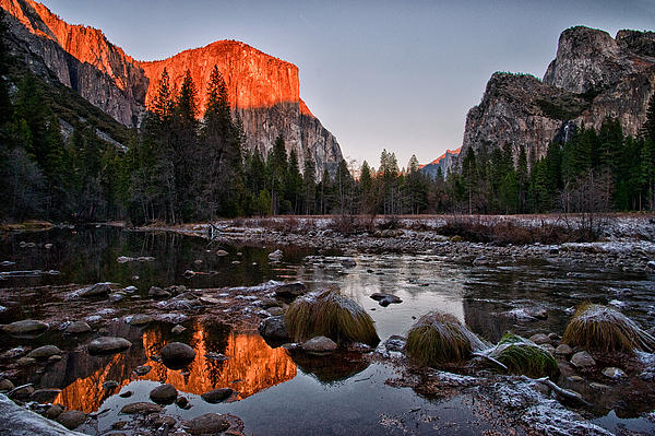 Last Light At Valley View Print by Cat Connor