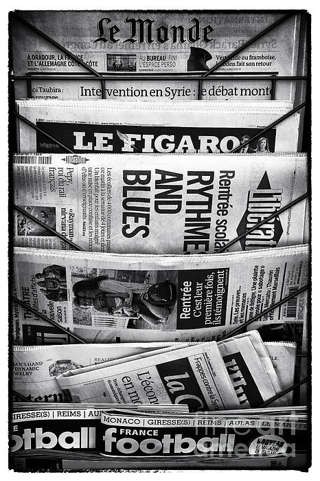 Le Monde Print by John Rizzuto