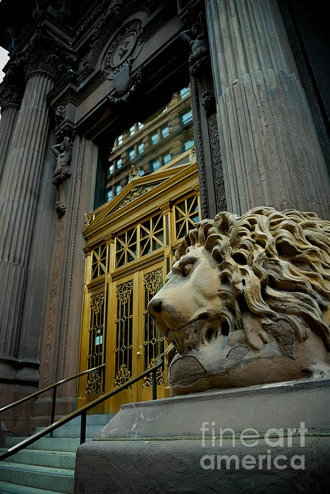 Lion At Dollar Bank Building Pittsburgh Print by Amy Cicconi