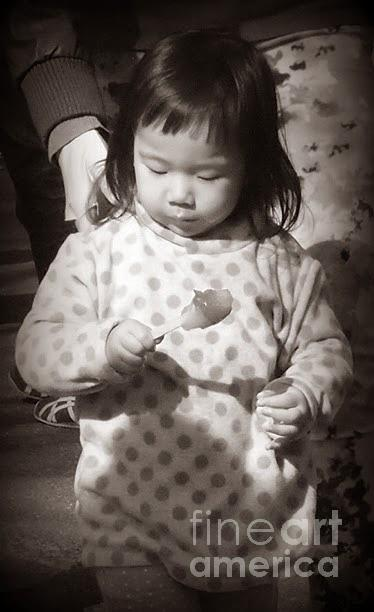 Miriam Danar - Little Girl with Ice Pop - Central Park