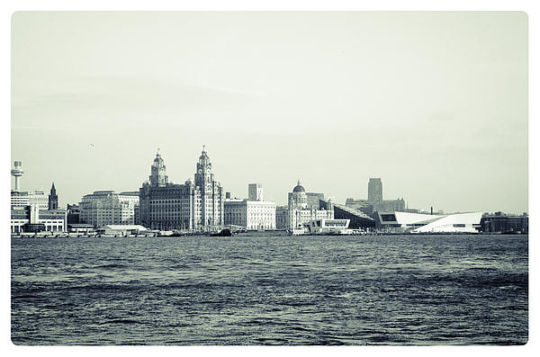 Karen Lawrence Spikey Mouse Photography - Liverpool Water Front