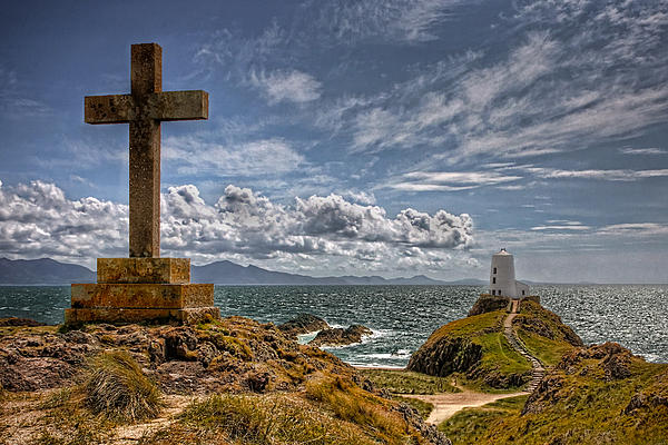 Alan Tunnicliffe - Llanddwyn Lighthouse Anglesey Wales