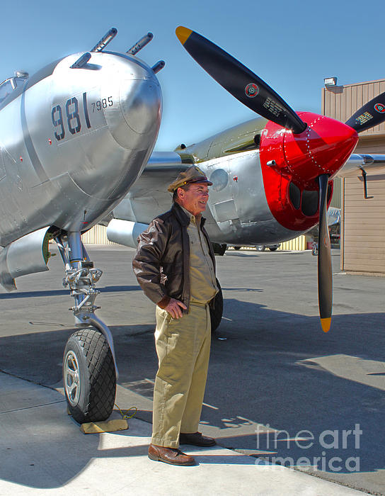 Lockheed P-38l Lightning Honey Bunny  - 05 Print by Gregory Dyer