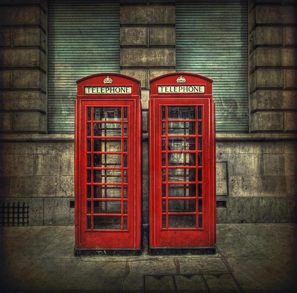 London Calling Print by Evelina Kremsdorf