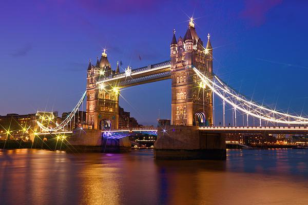 London - Tower Bridge During Blue Hour Print by Melanie Viola