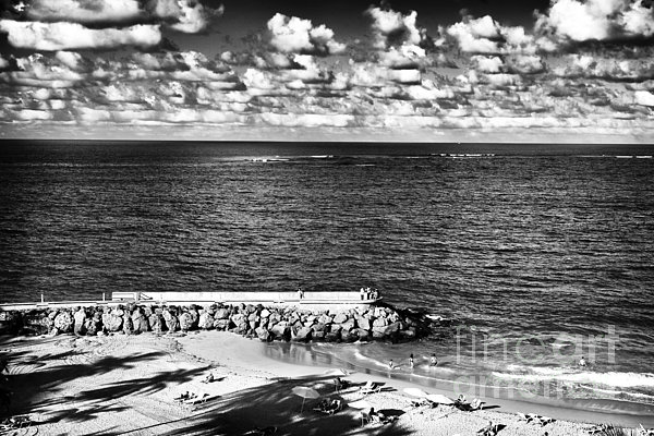 Looking Out Into The Ocean Print by John Rizzuto