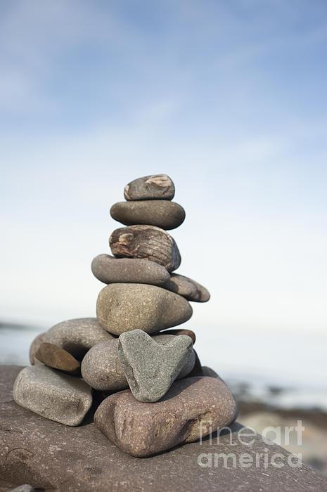 Love On The Rocks Print by Anne Gilbert