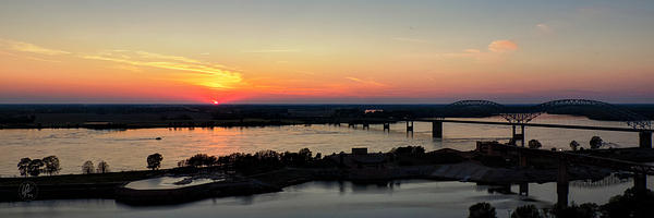 Memphis Sunset On The Mississippi 002 Print by Lance Vaughn