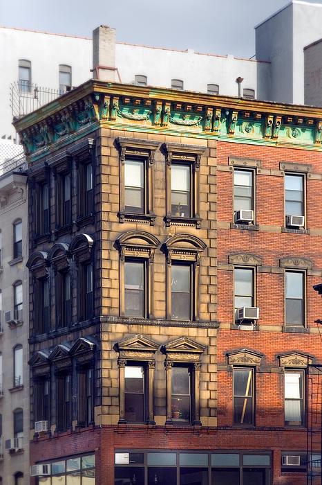New York City - Windows - Old Charm Print by Gary Heller