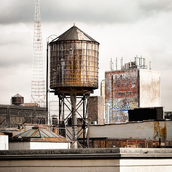 New York Water Tower 16 Print by Gary Heller