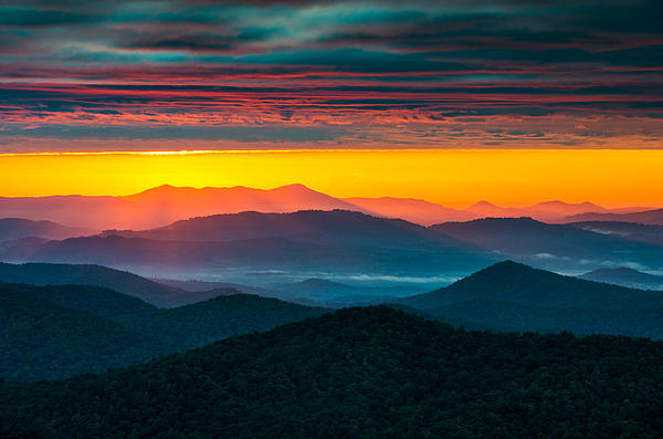 North Carolina Blue Ridge Parkway Morning Majesty Print by Dave Allen