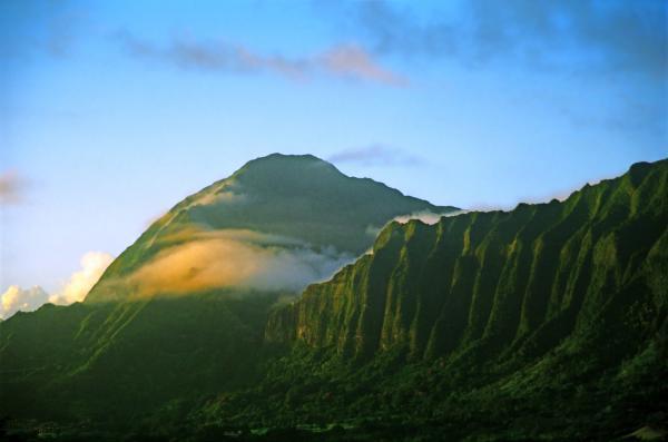Nuuanu Pali At Sunrise Print by Kevin Smith