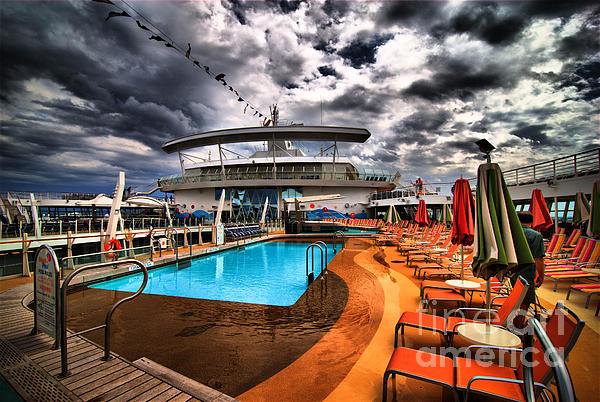 Oasis If The Seas Pool Deck - Hdr Print by Amy Cicconi