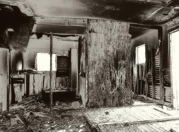 Abandoned Farm House by Gilbert Artiaga
