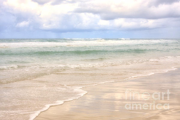 Wendy Townrow - Ocean Edge with Heavy Clouds
