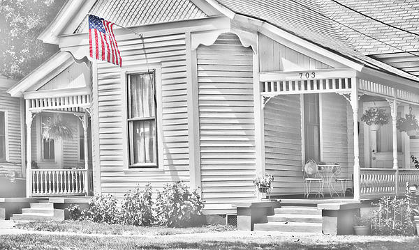 Linda Phelps - Old Style House with US Flag