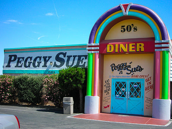 Peggy Sues Diner Yermo California Print by Robert Ford