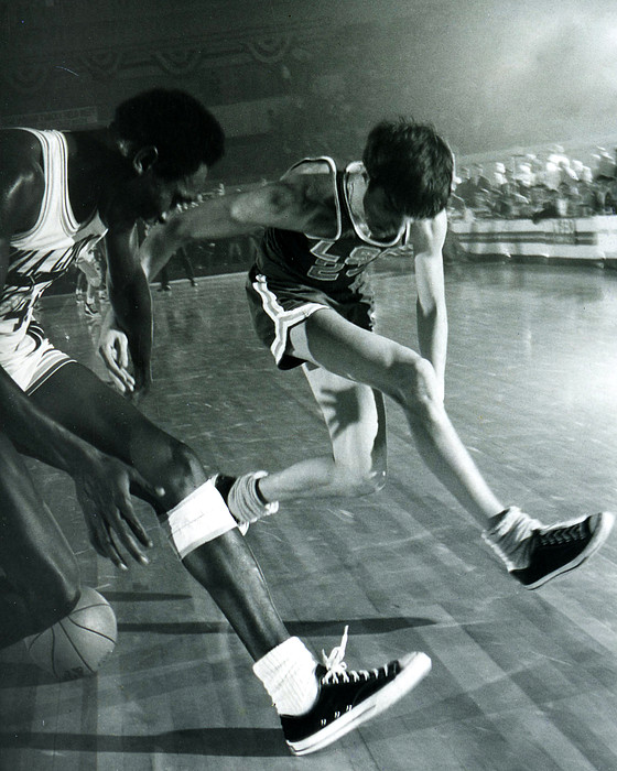 Pete Maravich Tricky Pass Print by Retro Images Archive