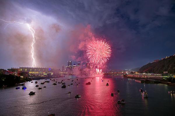Pittsburgh Lighting The 4th  Print by Emmanuel Panagiotakis