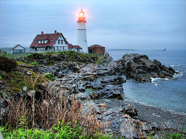 Portland Head Light In The Morning Print by Carolyn Fletcher