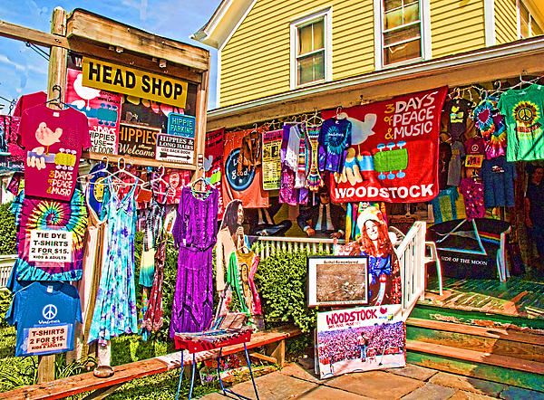 Psychedelic Woodstock Print by Nancy  de Flon