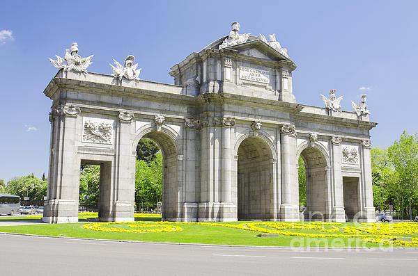 Spain landmarks images reverse search for 3 famous landmarks