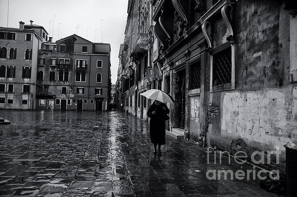Rainy Day In Venice Print by Olia Saunders