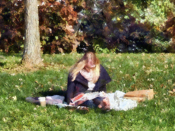 Relaxing In The Park Print by Susan Savad