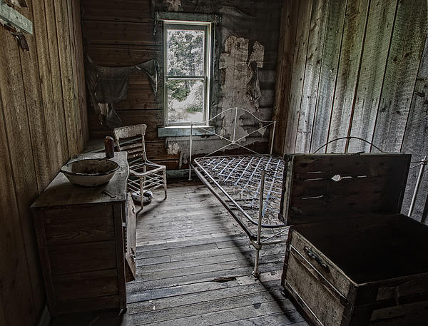 Room At The Wells Hotel - Montana Print by Daniel Hagerman