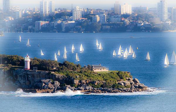 Miroslava Jurcik - Sails out to play