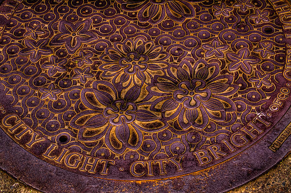 David Patterson - Seattle City Light City Bright Manhole Cover