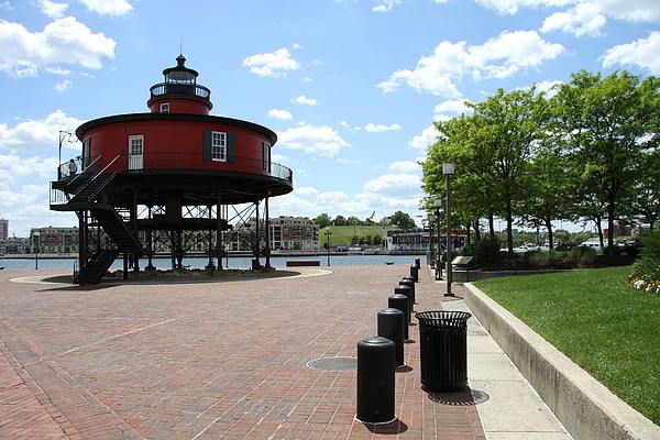 Christiane Schulze - Seven Foot Knoll Light - Baltimore Inner Harbor