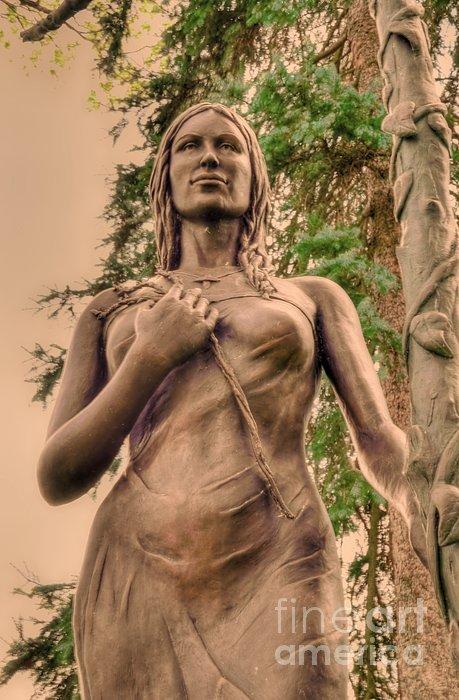 Kathleen Struckle - She Holds Her Cross