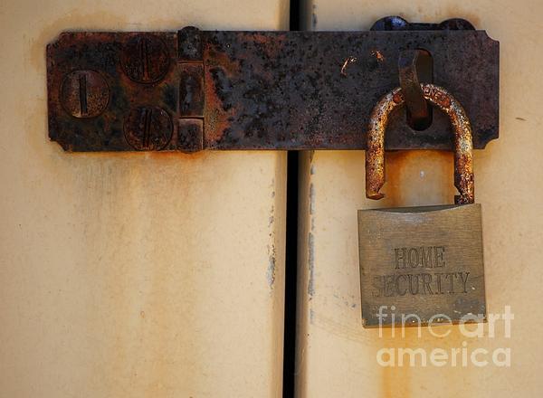 Shed Lock   Print by Bobby Mandal
