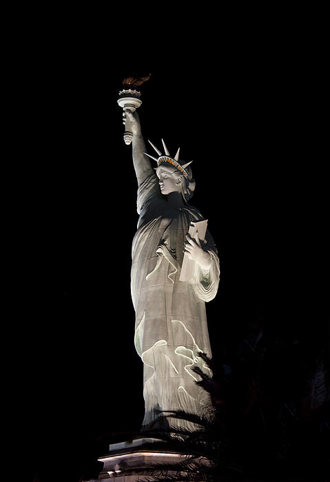 Ivete Basso - Statue of Liberty After Midnight