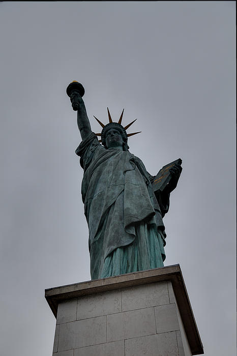 Statue Of Liberty - Paris France - 01131 Print by DC Photographer