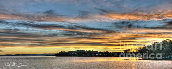 Streaky Sunset - Wangi Wangi Print by Geoff Childs