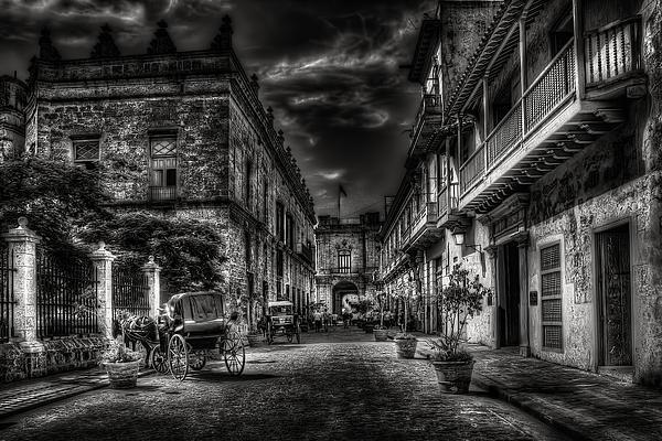 Streets Of Havana Bw Print by Erik Brede