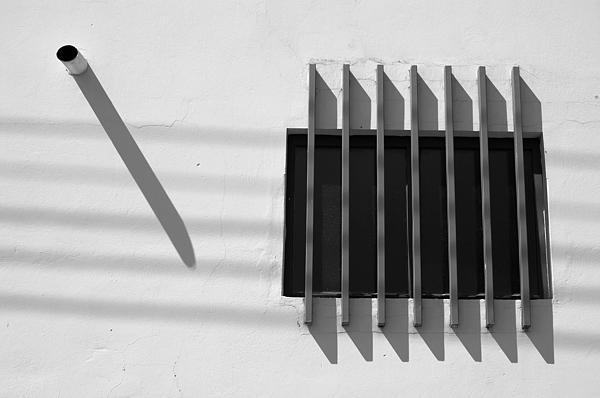 Ordi Calder - String Shadows - Selected Award - FIAP