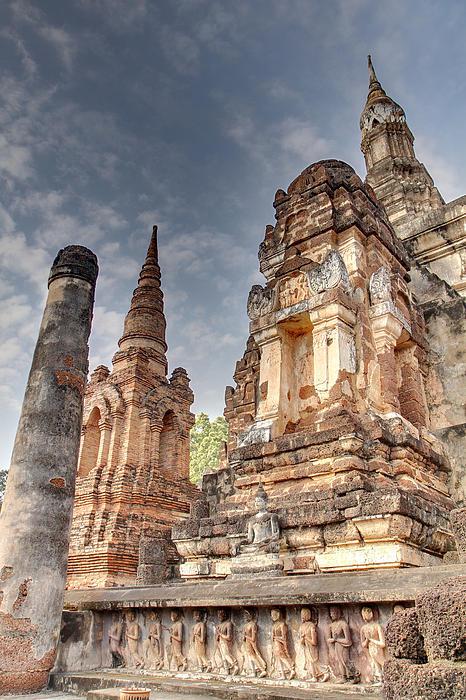 Sukhothai Historical Park - Sukhothai Thailand - 011326 Print by DC Photographer
