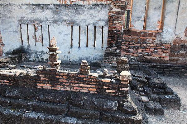 Sukhothai Historical Park - Sukhothai Thailand - 011361 Print by DC Photographer