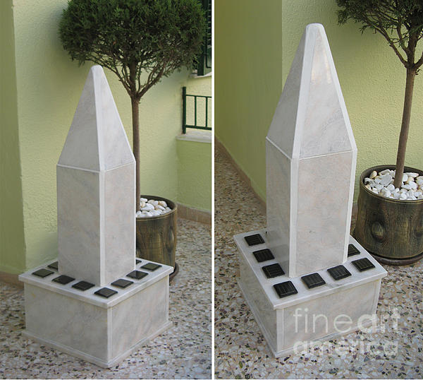 Sun obelisk Sculpture