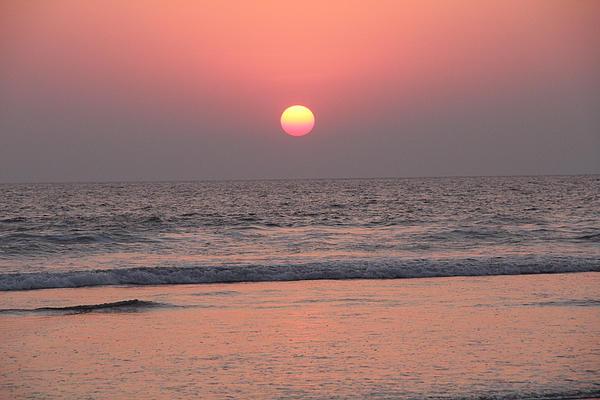 Sunset At San Juan De Alima Print by Linda Queally